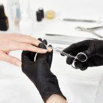 Manucure chez Dermobeauty Esthétique 13170